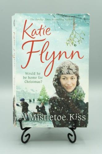 A Mistletoe Kiss - Katie Flynn