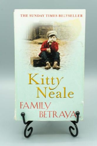 Family Betrayal - Kitty Neale